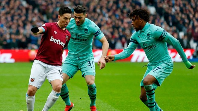 Nasri'li West Ham, Arsenal'i devirdi